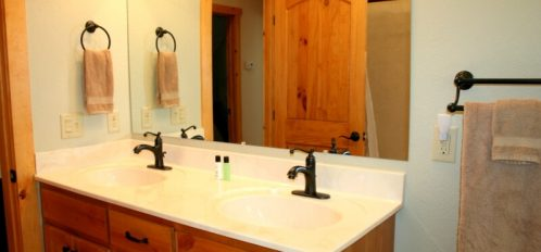 Chimney Rock River Cabin Bathroom 2