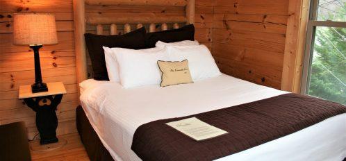 Rocky Broad Cabin Bedroom