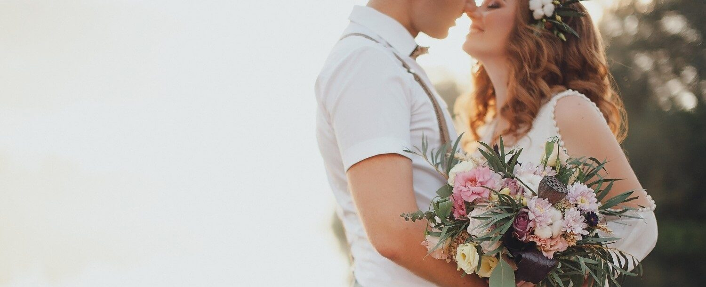 bride-and-groom-mountain-wedding