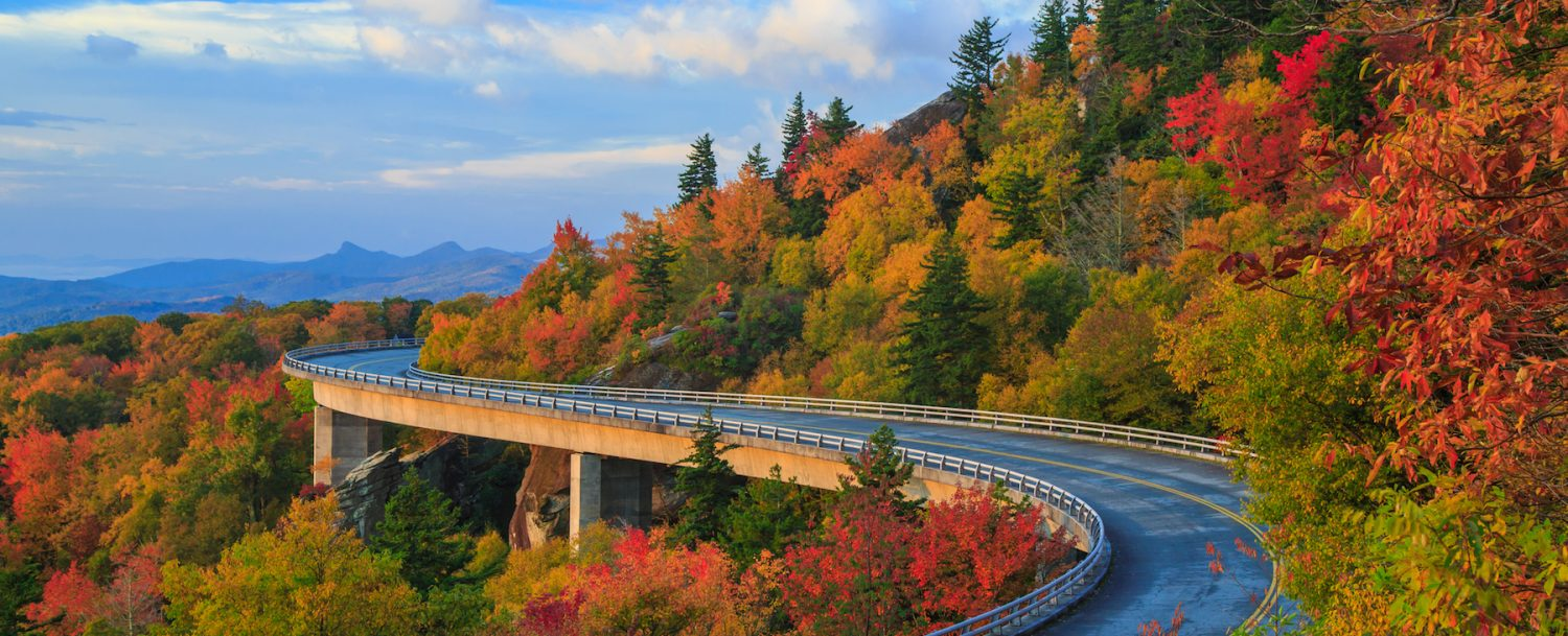 Linn Cove Viaduct on the Blue Ridge parkway in the fall season: Fall colors near Chimney Rock.